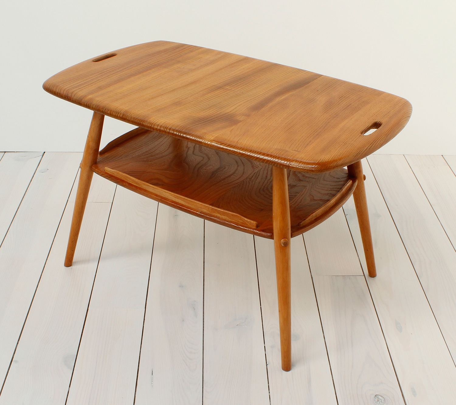 Ercol Butler s Tray Table – Arc