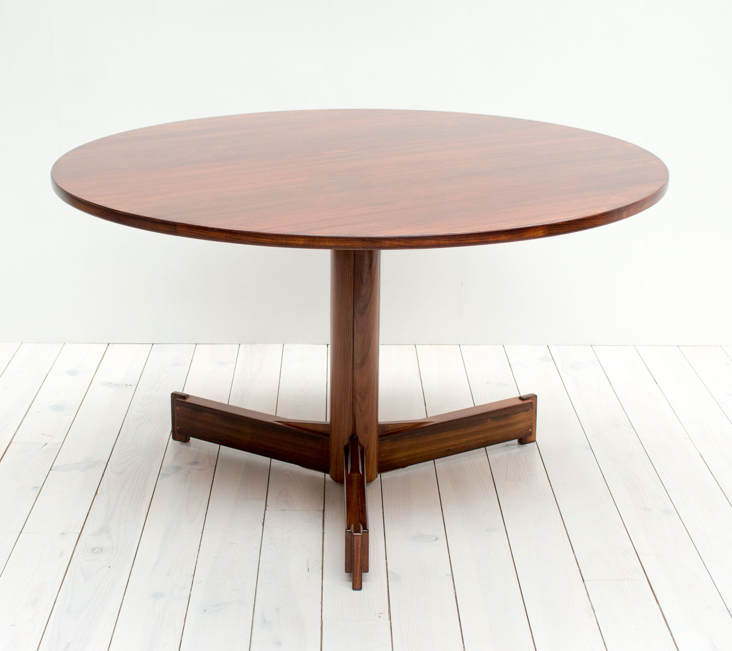 Robert Heritage Rosewood Dining Table - Arc – Vintage And Antique Furniture