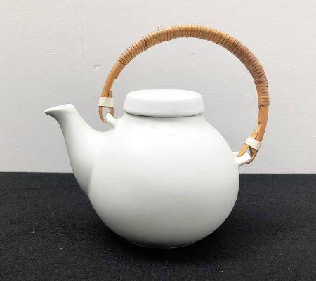 White Teapot by Ulla Procopé for Arabia
