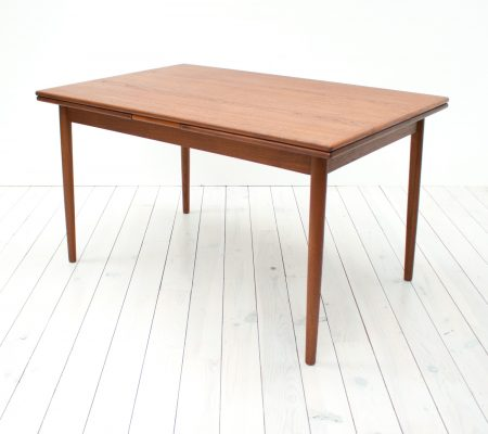 Danish Teak Extending Dining Table by Ansager Mobler