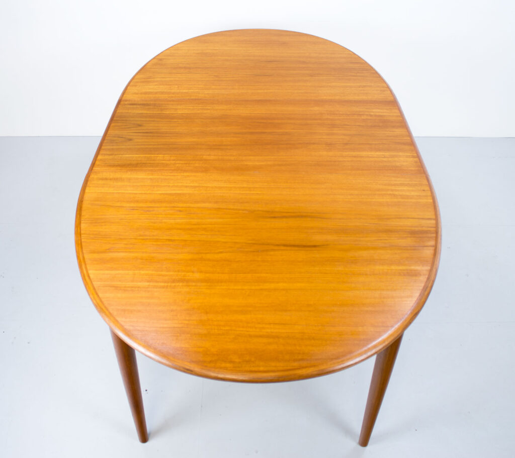 Danish Teak Oval Extending Dining Table by Gudme Möbelfabriken