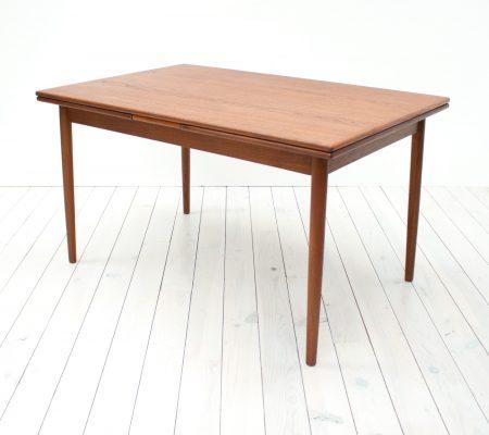 Danish Teak Extending Dining Table by Ansager Mobler