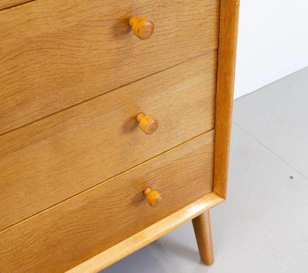 1950s Kandya Oak Chest of Drawers