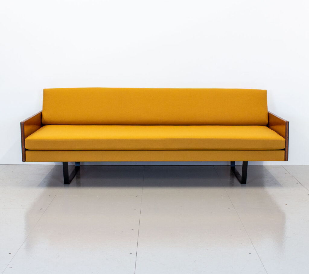 Robin Day Sofa Bed by Hille